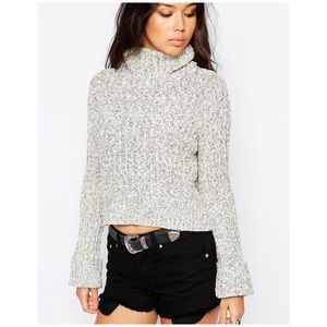 Free People cable knit cowl cropped sweater XS
